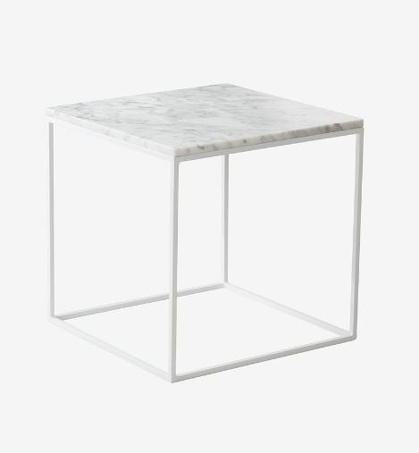neliön mallinen marmorisohvapöytä