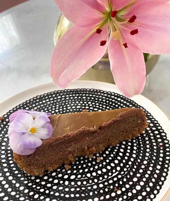 suolakinuski suklaa kakku