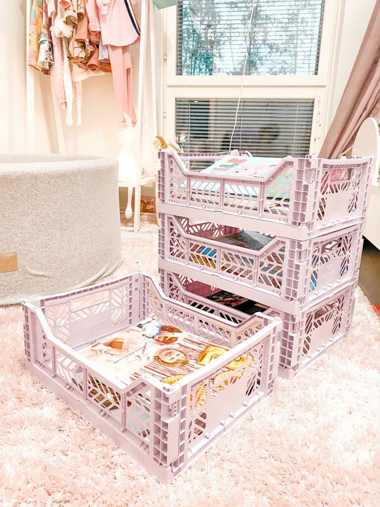 hay color crate