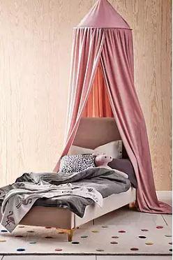 Sänkykatos lasten sänkyyn