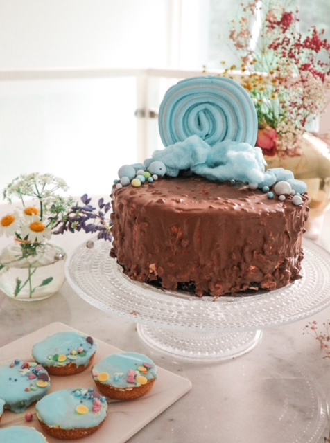 Tupla patukka suklaakakku